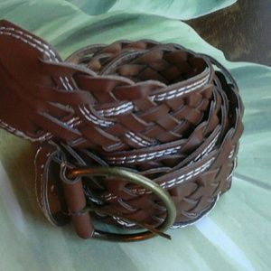 BROWN  & WHITE  WEAVED  BELT WITHOUT  HOLES 18W